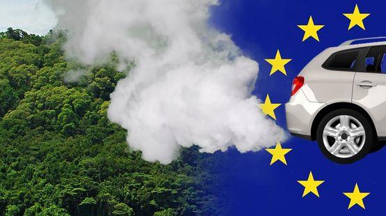 Photomontage : une forêt tropicale (à gauche) est polluée par les gaz d'échappement d'une automobile (à droite) sur fond de drapeau de l'Union européenne